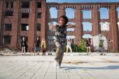 Young man ending off his hip hop dance  — Stock Photo