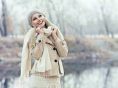 Woman outdoor — Stock Photo