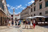 Central street of the Dubrovnik old town, Croatia. — Stock Photo