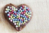 Handmade gingerbread heart — Stock Photo