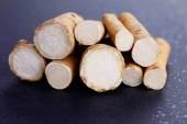 Horseradish root and grated horseradish — Stok fotoğraf