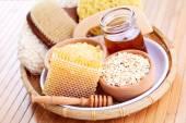 Honey and spa treatment — Stock Photo