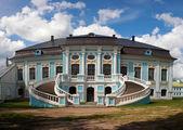 "Russia, Smolensk region - 26 June 2015: Griboyedov Manor ""Hmelita"", the main house. — Stock Photo"