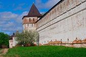 Wall of Borisoglebsky Monastery — Стоковое фото