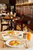 Breakfast at restaurant — Stock Photo