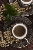 Groene koffie. drank en bonen — Stockfoto