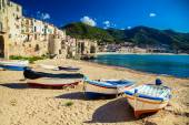 Old beach in Cefalu with fishing boats — Stock Photo