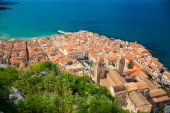 Aerial view of Cefalu Duomo Cathedral — Stock Photo