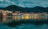 Small town Cefalu at dusk — Stock Photo