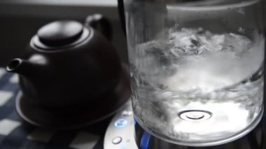 Boiling water — Stock Video