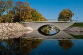 Reflexión de puente — Foto de Stock