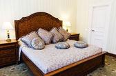 Interno camera da letto dell'hotel — Foto Stock