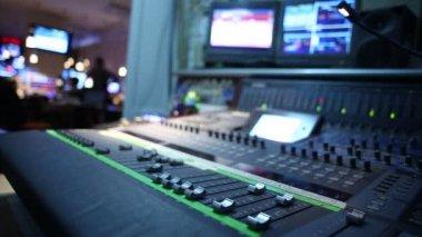 Hand on professional audio mixer — Stock Video