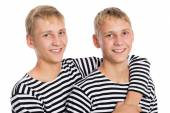 Portrait of two twin brothers, close up — Stockfoto