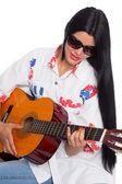 Tocar guitarra jovem — Fotografia Stock