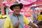 Portrait of an flamboyant rickshaw man, Malacca — Stock Photo