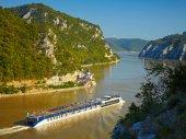 Danube river.  Serbia and Romania border. — Stock Photo
