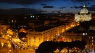St. Peter's Basilica, Vatican. Rome, Italy. After sunset view — Stock Video