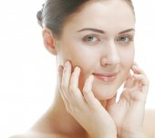 Beautiful woman face with clean skin — Stock Photo