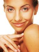 健康的皮肤微笑的年轻女子 — 图库照片