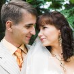 The walk of newlyweds — Stock Photo #74582929