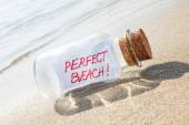 Message in a bottle Perfect beach. Vacation concept. — Stock Photo