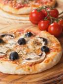 Funghi pizza — Stock Photo