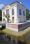 Petrodvorets. Hermitage pavilion — Stock Photo