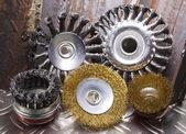 Drahtbürste für die mechanische reinigung von metall — Stockfoto
