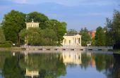 Russia, Peterhof (Petrodvorets). Olga's Pavilion on island in Olga's pond. — Stock Photo