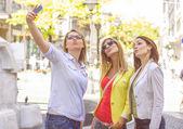 Happy Female Friends Taking Selfie — Stock Photo