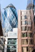 LONDON, UK - AUG 6: The Gherkin Tower (30 St Mary Axe) in the Ci — Stock Photo