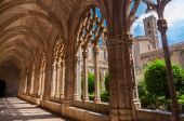 View of the cloister of Monastery of Santa Maria de Santes Creus — Stock Photo