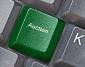 Keyboard with key for auction — Stock Photo
