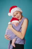 Glückliche mutter mit ihrem baby — Stockfoto