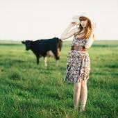 Bella ragazza con lunghi capelli ritratto — Foto Stock