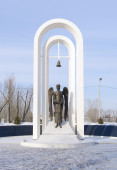Monument to liquidators of Chernobyl accident, Omsk, Russia. — ストック写真