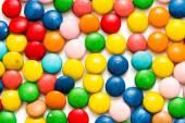 Kleurrijke capsules met vitaminen — Stockfoto