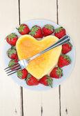 Heart cheesecake — Stock Photo