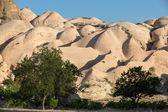 Formaciones rocosas en el parque nacional de goreme. cappadocia, turquía — Foto de Stock