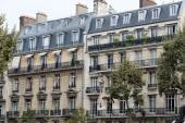 Facade of typical house with balcony in Paris, France — Stock Photo