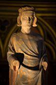 Paris - Sainte Chapelle. Statue of Louis IX  King of France — Stock Photo