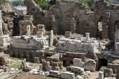 Ruiny starověkého římského amfiteátru v boku. Turecko — Stock fotografie