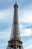 Eiffel Tower - The most famous symbol of Paris — Stock Photo