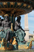 Фонтан на Пляс де ля Конкорд, Париж, Франция — Стоковое фото