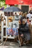 Paris -  Open Air Artist Market at Tertre Square (Place du Tertre) in Montmartre — Stock Photo