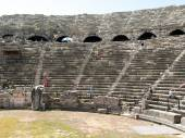 The ruins of  ancient Roman amphitheatre in Side. Turkey — Stock Photo