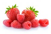 Heap of Sweet Strawberries and Juicy Raspberries Isolated on White Background. Summer Healthy Food Concept — Stock Photo