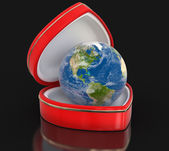 Globe in the heart box (clipping path included) — Stock Photo