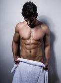 Handsome muscular young bodybuilder — Zdjęcie stockowe